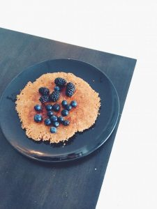 healthy cleanse food, yummy vegan food, almond pancakes