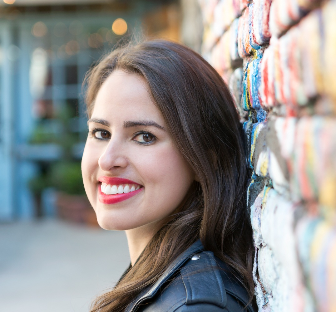 Wondering how to plan events and community build for your business? Emily the founder of curated event planning company to grow her community, meet amazing new people, and get more followers and customers for your business. Repin for later and read the interview on the blog.